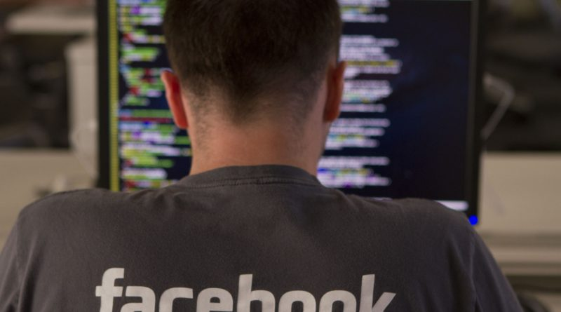 Facebook : Zuckerberg lance un magazine imprimé